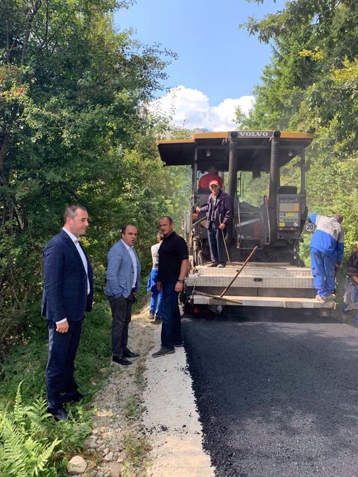 Предсједник обишао асфалтирани пут у селу Бастахе