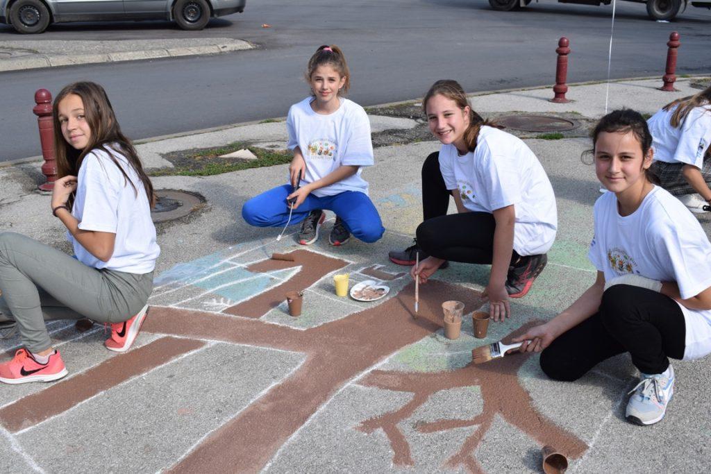 """Одржана јубиларна 40. манифестација """"Дјеца цртају на асфалту"""""""