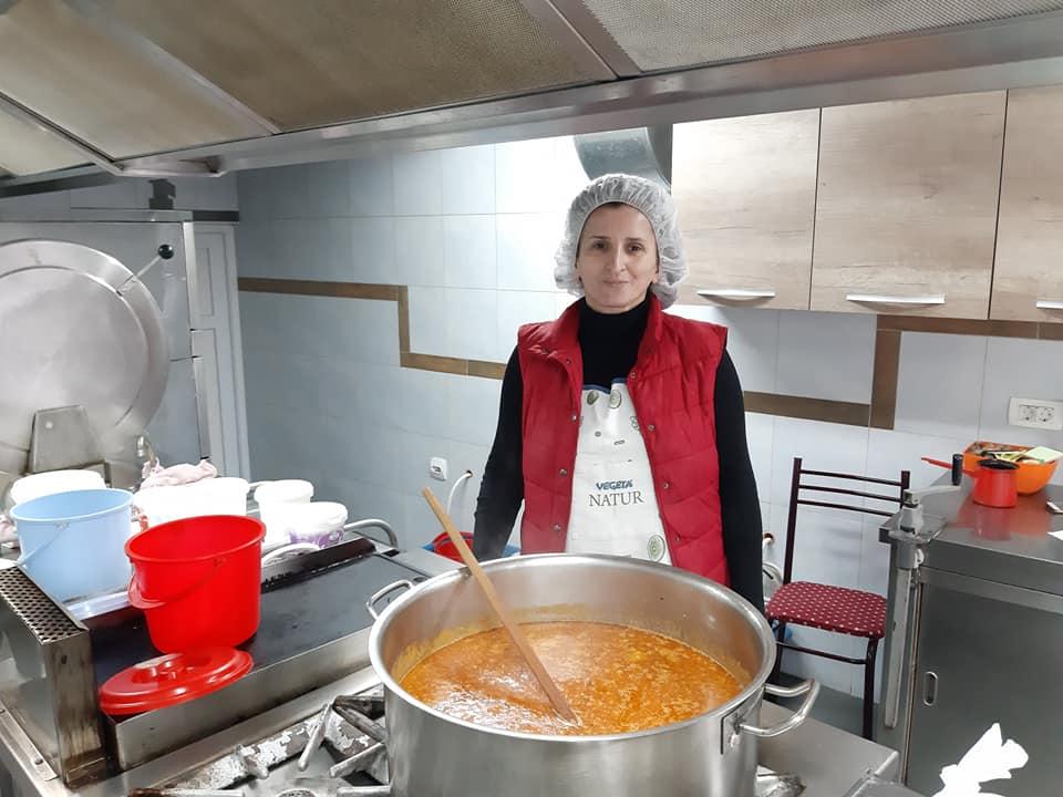 ЦРКВЕНА НАРОДНА КУХИЊА: Ослонац за оне којима је помоћ најпотребнија