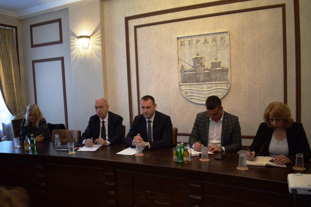Састанак са ПКЦГ, Шћекић: Стимулисати домаће произвођаче
