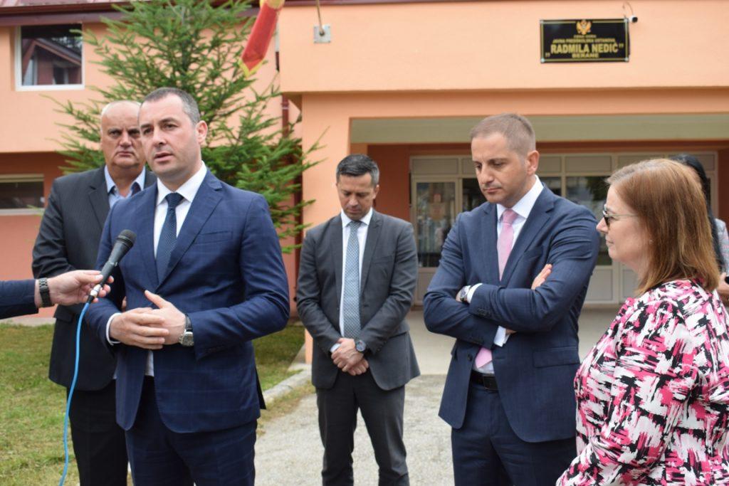 Predsjednik Šćekić sa ambasadorkom SAD i ministrom prosvjete obišao rekonstruisani vrtić