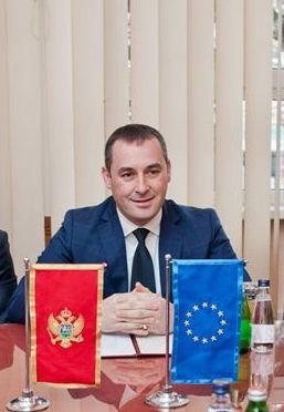Предсједник Шћекић честитао грађанима Дан државности