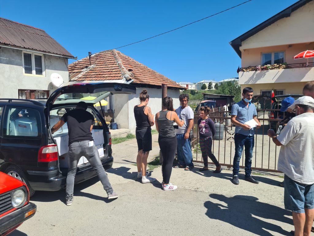 Пакети помоћи за ромске породице у насељима Талум и Риверсајд