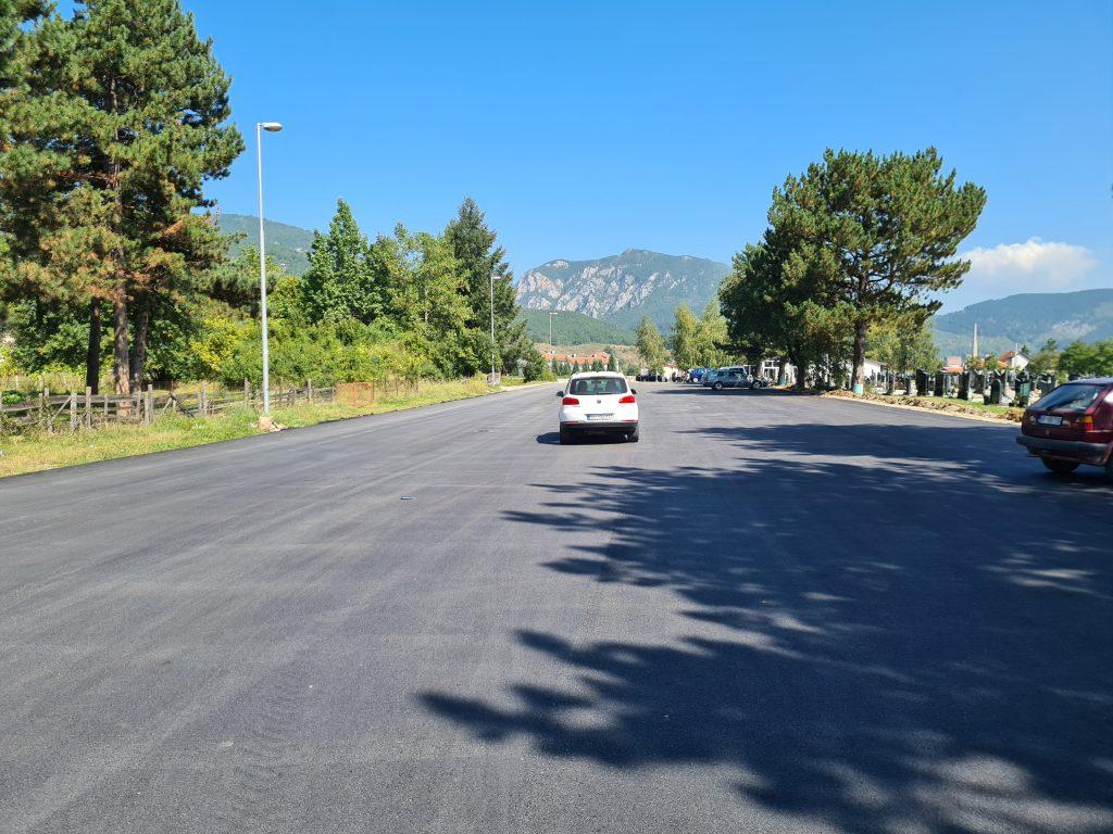 Завршено асфалтирање пута према манастиру и паркинга код капеле