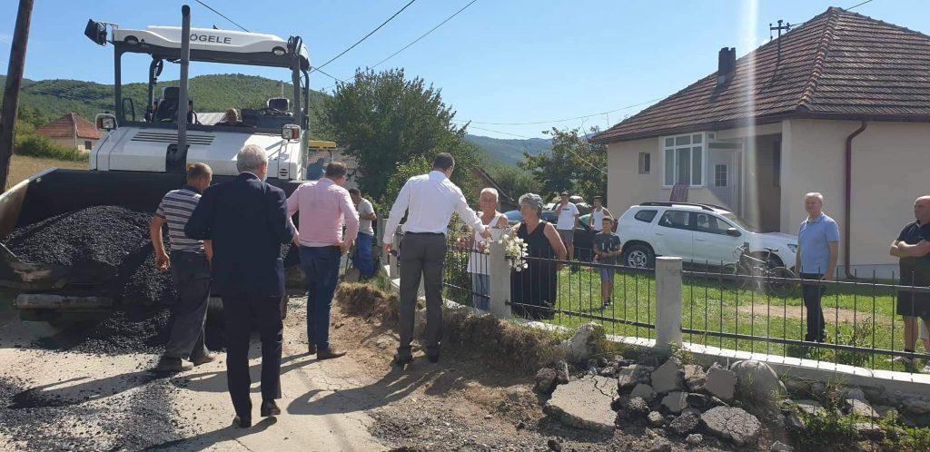Општина завршила асфалтирање пута у Загорју, радове обишао предсједник Шћекић