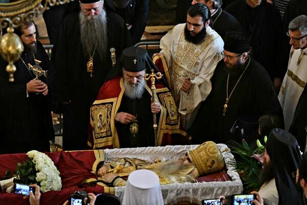Сахрањен митрополит Црногорско-приморски Амфилохије, присуствовао предсједник Шћекић