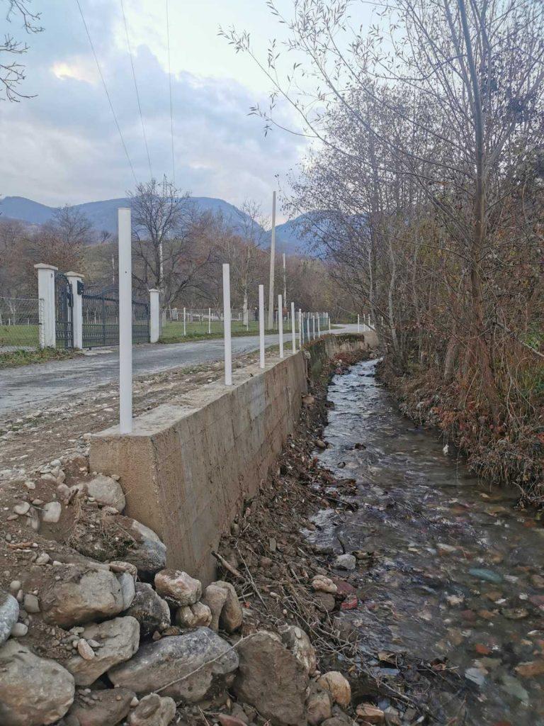 Нова расвјета, асфалт и потпорни зид у Виницкој