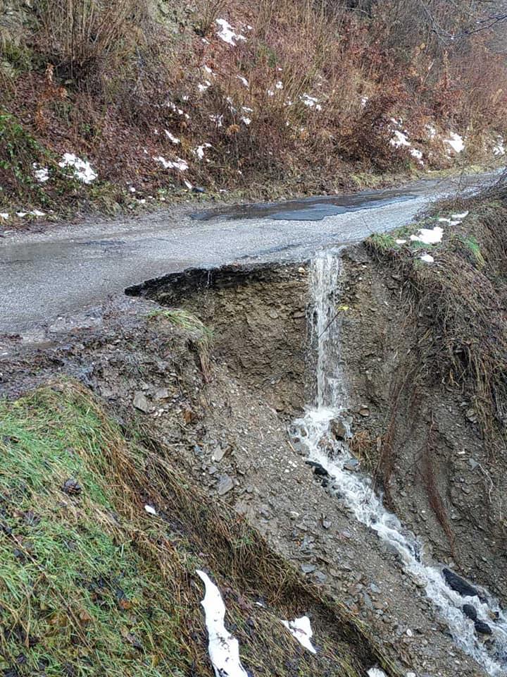 Због падавина угрожена инфраструктура, општинске службе успијевају да контролишу ситуацију