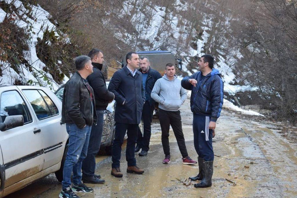 Шћекић обишао клизиште у МЗ Шекулар: Помоћ за угрожена домаћинства, у току санација пута